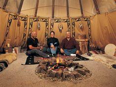 Native American Teepee, Native American Photos, American Indians, Birth Animal, Rustic Farmhouse Furniture, Yurt Living, Copper Interior, Tipi Wedding, Luxury Camping