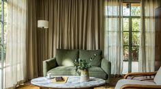 La Villa du Pigonnet | Hôtel Le Pigonnet Simple Living Room, Small Living Rooms, Living Room Sets, Home Living Room, Living Room Decor, Modern Living, Accent Walls In Living Room, Living Room Colors, Living Room Paint