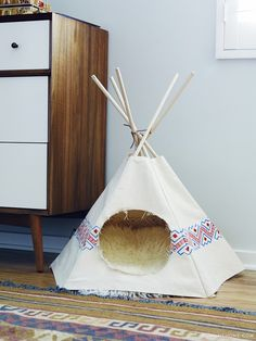 OG needs a cat TeePee! Exclusive: Tour Claire Thomas' Mod House on Stilts via @domainehome