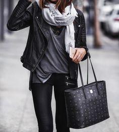Imagen de details, noir, and outfit
