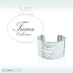[Tiara Collection] Beating Crown手鏈,概念來自簡單的皇冠線條,以及跳動中的脈搏。簡潔設計有電鍍金色和黑色兩種色澤,可供選擇,獨特的手鏈結構亦為甜美風格的手鏈帶來點點型格氣質。 Adorned with various Swarovski crystals, Beating Crown Bracelet is available in mysterious black and glittering gold plated. The neat line design is a reminiscence of a simple crown, as well as a beating pulse. The unique style of the bracelet also gives a unique taste to this sweet design. #Lextia #tiara#accessories#unique#collection#Swarovski#crystal#fashionable#chic#design#costume…