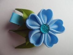 ▶ Голубая заколка Канзаши , Мастер класс канзаши для начинающих / Blue hairpin kanzashi - YouTube ~ Blue Barrette Kanzashi, master class kanzashi for beginners.