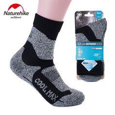 Mens cool megalodon shark compression sweat-absorbent novelty socks hiking loafer calf socks