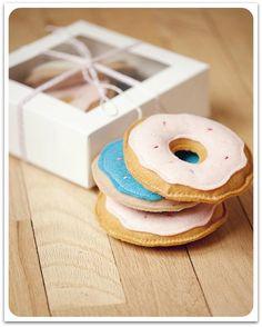 ♥ felt doughnuts yummy ♥