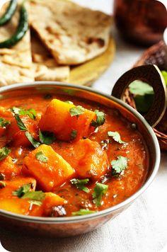 Bombay Potatoes or Bombay Bataka Recipe | No Onion-No Garlic Potato Curry Recipe