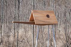 A modern #birdhouse designed with an extended 'catwalk' section for optimum #birdwatching opportunities. #design