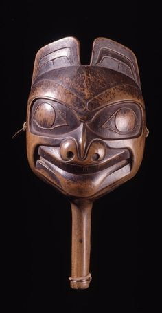 Haida wood rattle in the form of a bear - 19th century. @cargocultist