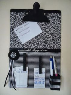 Hobbies And Crafts, Crafts To Sell, Diy And Crafts, Paper Crafts, Memo Boards, Homemade Calendar, Clipboard Crafts, Diy Magnets, Crafts For Seniors