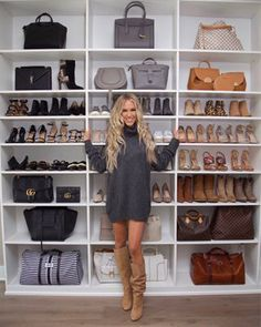 Fashion active ▪ fashion inspiration lifestyle media for more visit imgkat Walk In Closet Design, Bedroom Closet Design, Master Bedroom Closet, Closet Designs, Wardrobe Room, Walk In Wardrobe, Handbag Storage, Shoe Storage, California Closets