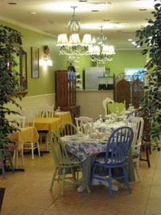 Cozy Tea Tearoom and Shoppe in Five Points