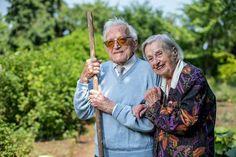 """Na het lezen van dit interview met twee bijna 100-jarigen kan je niet anders dan in de liefde geloven: """"Wij moeten in leven blijven, voor elkaar"""" - HLN.be"""