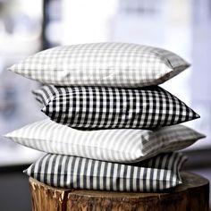 """""""Caro"""" Bed linen by Driessen Leinen · www.labella-amara.com Bed Linen, Linen Bedding, Frankfurt, Bed Pillows, Pillow Cases, Dreams, Linen Fabric, Colors, Bed Linens"""