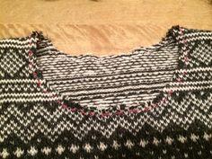Cutting the neckline in Stranded and fairisle knitting. Fair Isle Knitting, Blackwork, Ravelry, Blog, Beauty, Neckline, Women, Tutorials, Tools