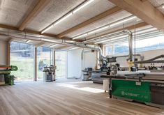 "Joinery firm Anton Mohr won the ""Vorarlberger holzbau_kunst"" timber construction award for the design of its imaginative yet understated timber structure Workshop Shed, Workshop Design, Woodworking Shop Layout, Woodworking Workshop, Timber Structure, Furniture Factory, Timber House, Joinery, Home Projects"