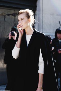 New_York_Fashion_Week-Street_Style-Fall_Winter-2015-Stripes_Fur_Coat-White_Boots-Karlie_Kloss-Model_Cape-1