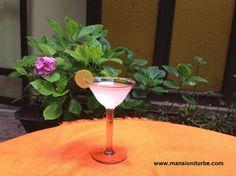 Margarita con mezcal en el Patio del Hotel Mansión Iturbe en Pátzcuaro
