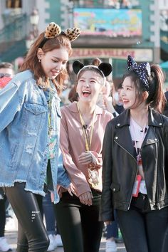 Irene, seulgi of red velvet and sooyoung