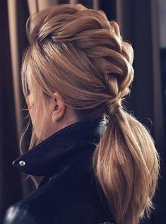20 Gorgeous blonde Ponytail Hairstyle Ideas