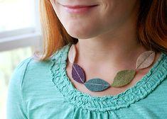 Magnifique projet de collier en feuille