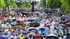 Veel publiek bij Prinsengrachtconcert in Amsterdam | NU - Het laatste nieuws het eerst op NU.nl