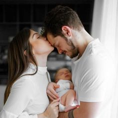Couple Pregnancy Pictures, Maternity Pictures, Couple Photos, Foto Newborn, Mini Me, Couple Goals, Sims, Couples, Future