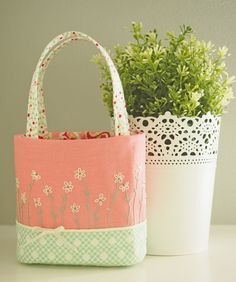 """Auction 22 - """"Best Buds"""" PurseSample - Pretty by Hand -"""