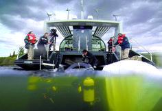 Extracción de ruedas del fondo del Lago