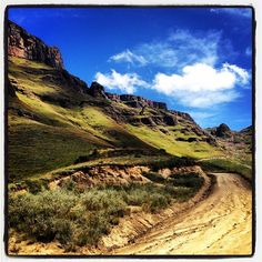 "See 17 photos and 2 tips from 144 visitors to Sani Pass. ""Great place to visit, going up Sani Pass was an awesome experience! Kwazulu Natal, Great Places, South Africa, Places To Visit, Old Things, Country Roads, Tours, Blog, Travel"