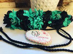 Cinturón de flores en color verde agua y negro