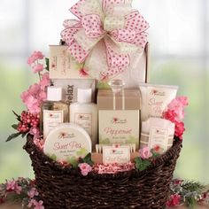 My niece is getting married in a few months, and I think this bridesmaids gift… Wedding Gift Hampers, Wedding Gift Wrapping, Wedding Gifts, Mothers Day Baskets, Mother's Day Gift Baskets, Bridesmaid Gift Baskets, Bridesmaid Gifts, Homemade Gift Baskets, Homemade Gifts