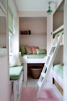 corner bunk room for girls using small space