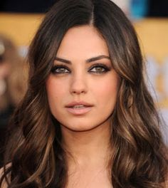 The Sexiest Woman Alive Mila Kunis Without Makeup ~ Damn . Pretty Hair Color, Hair Color Dark, Brown Hair Colors, Dark Hair, Hair Colour, Mila Kunis, Natural Wedding Makeup, Wedding Hair And Makeup, Hair Makeup