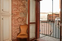 0apartment on Piazza del Campo in Siena http://www.element-apartments.com/tuscany