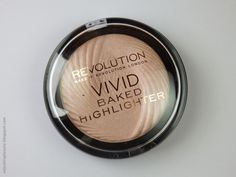 Review of Revolution Makeup London Vivid Baked Highlighter in Peach Lights (cool toned highlighter, pink)
