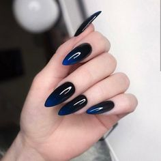 Long acrylic nails are too sharp, and short nails are too ordinary? Then you need almond nails, which are of moderate length. Almond nails are named after their shape similar to almonds. Black Acrylic Nails, Almond Acrylic Nails, Best Acrylic Nails, Dark Nails, Acrylic Nail Designs, Black Almond Nails, Black And Blue Nails, Black Ombre Nails, Dark Nail Designs