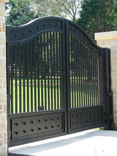 China Beautiful Wrought Iron Entrance Gate for Driveway, Find details about China Driveway Iron Gate, Security Sliding Gate from Beautiful Wrought Iron Entrance Gate for Driveway - Xiamen Lion Iron Doors Co.