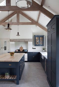 2020 Paint Trend: 5 Classic Blue KitchensBECKI OWENS What's Decoration? Decoration could be the art of decorating the interior and … Rustic Kitchen Design, Farmhouse Kitchen Decor, Kitchen Interior, Country Kitchen, Modern Farmhouse, Interior Plants, Apartment Kitchen, Apartment Living, Classic Kitchen