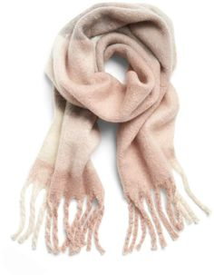 Shop Banana Republic's Oversized Plaid Rectangular Scarf: Bundle up with this cozy, plaid blanket scarf, made from a soft and fuzzy fabric. Trending Christmas Gifts, Teenage Girl Gifts Christmas, Diy Holiday Gifts, Family Christmas Gifts, 16th Birthday Gifts, Birthday Gifts For Sister, Teen Birthday, Birthday Surprise Boyfriend, Birthday Surprises