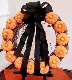 DIY Halloween Decor DIY Halloween Crafts : DIY Fall Mini Pumpkin Wreath