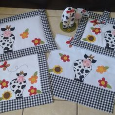 Pot Holders, Patches, Sewing, Crafts, Crafts To Sell, Craft Ideas, Diy And Crafts, Dish Towels, Bird Applique