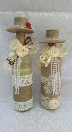 Awesome Home Decor Ideas on a Budget – Repurposed DIY Wine Bottle Crafts Wine Bottle Art, Plastic Bottle Crafts, Diy Bottle, Wine Bottle Crafts, Mason Jar Crafts, Wrapped Wine Bottles, Wine Bottle Centerpieces, Christmas Wine Bottles, Wedding Bottles