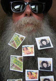 BEARD GALLERY - Opere di Pierpaolo Limongelli installate sulla mia barba (Galleria Pensile)