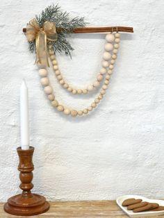 Helmiryijy kanelitangossa, tarvikepaketti | Tuulia design. Iloa & Ideaa askarteluun ja käsitöihin! Tassel Necklace, Pearl Necklace, Tassels, Wreaths, Pearls, Design, Jewelry, Home Decor, String Of Pearls