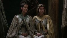 The Hamfan: A Collection of Essays: Game of Threads: Costume Analysis (S1E6: A Golden Crown)