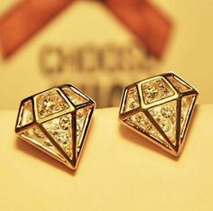 [ $13.99 ] Diamond Stud Earrings (white)