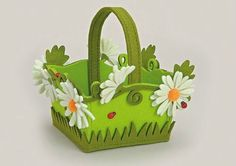 15 Easter baskets ideas - When it comes to Easter baskets, there is endless ideas about look and decorations. Easter baskets can be made from various materials like a fabrics, paper, yarn or twigs etc. Foam Crafts, Diy And Crafts, Crafts For Kids, Arts And Crafts, Happy Easter, Easter Bunny, Ball Birthday Parties, Diy Upcycling, Diy Ostern