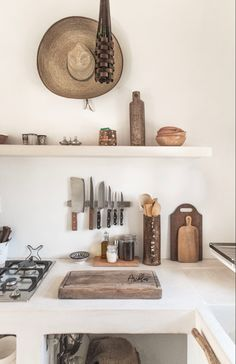 Kitchen Inspirations, White Kitchen, Shelves, Shelter, Floating Shelves, Home Decor, Inspiration