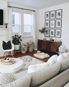 40 Charming Bohemian Living Room Decor Ideas - Home Decorait.- 40 Charming Bohemian Living Room Decor Ideas – Home Decoraiton 40 Charming Bohemian Living Room Decor Ideas – - Bohemian Living, Modern Bohemian, Bohemian Theme, Bohemian Style, Bohemian Art, Boho Decor, Bohemian Decorating, Coastal Decor, Boho Chic
