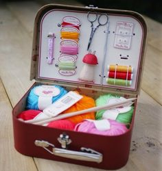 <3 <3 <3 sewing kit