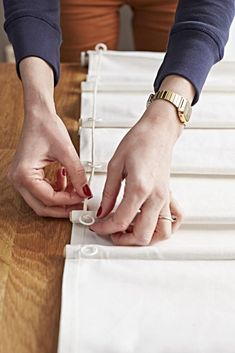 Easy 15 sewing hacks tips are offered on our internet site. Take a look and you wont be sorry you did. Diy Curtains, Curtains With Blinds, Skylight Covering, Store Bateau, Diy Roman Shades, Diy Store, Creation Deco, Curtain Designs, Roman Blinds